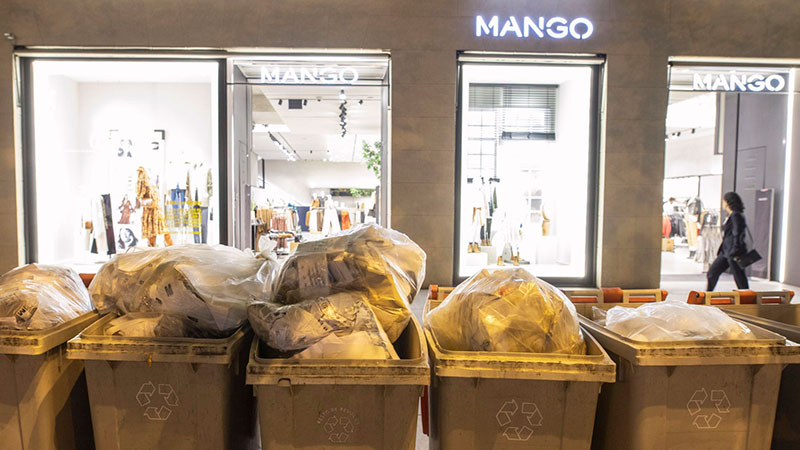 Este es el horario para sacar los cubos de basura en Madrid AP-1